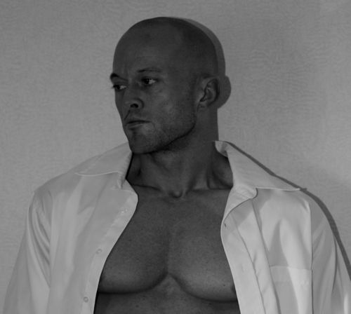 Male Model John Quinlan 2012 Photo Shoot Image
