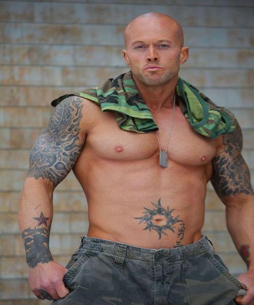 Model John Quinlan Military Soldier 6(2)