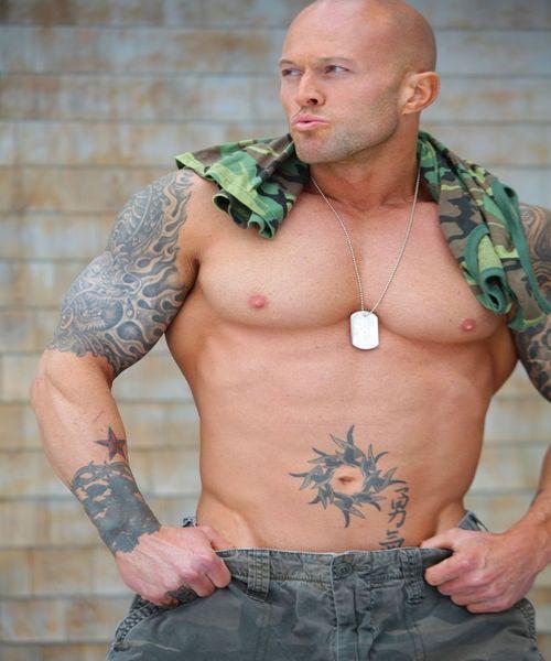 Model John Quinlan Military Soldier 3(2)