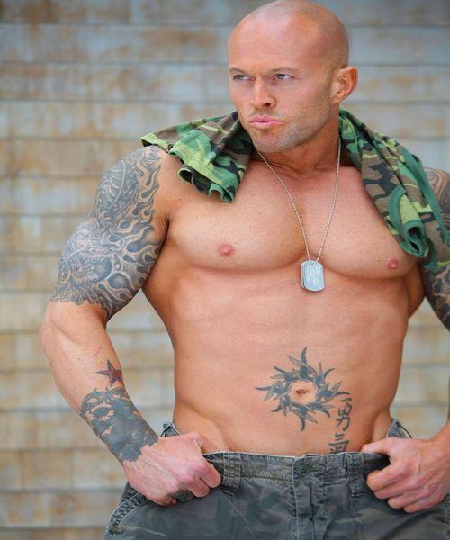 Model John Quinlan Military Soldier 4(2)